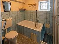 Koupelna - chalupa k pronájmu Sobkovice