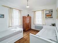 Ložnice s postelí a rozkládacím dvoulůžkem - Osečnice