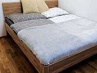 Manželská postel 2kk apartmán - k pronajmutí Deštné v Orlických horách