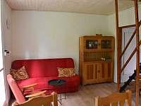 obývák s gaučem 2 - pronájem chaty Klášterec nad Orlicí - Zbudov