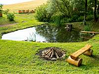 posezení u rybníčku - chalupa k pronájmu Červená Voda - Šanov