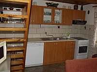 Kuchyně - chata k pronajmutí Čenkovice