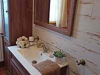 Koupelna dolní - chalupa k pronajmutí Orlické Záhoří