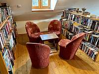 knihovna patro - Říčky v Orlických horách