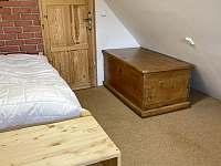 ložnice podkroví - chalupa k pronájmu Říčky v Orlických horách