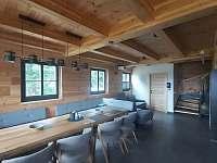 Společenská místnost - roubenka ubytování Rokytnice v Orlických horách - Panské Pole