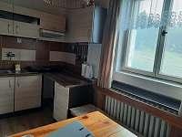 Kuchyňský kout - chata k pronájmu Deštné v Orlických horách