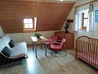 Rozkládací pohovka s křesly v horní ložnici - Osečnice -  Proloh