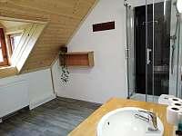 Sprchová kabina v horní koupelně - Osečnice -  Proloh