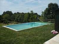 vyhřívaný venkovní bazén - pronájem chalupy Osečnice -  Proloh