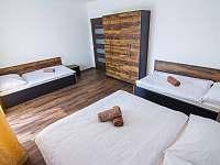 Ložnice 1. patro - apartmán k pronájmu Červená Voda - Mlýnický Dvůr