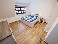 Největší ložnice v patře - Říčky v Orlických horách