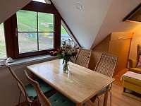 Podkrovní apartmán - přímo u sjezdovky - apartmán k pronajmutí - 4 Deštné v Orlických horách