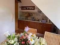 Podkrovní apartmán - přímo u sjezdovky - apartmán k pronajmutí - 8 Deštné v Orlických horách