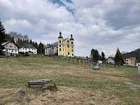 barokní kostel Nanebevzetí Panny Marie - chalupa k pronajmutí Bartošovice v Orlických horách - Neratov