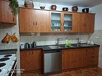 kuchyň - chalupa k pronájmu Sedloňov v Orlických horách