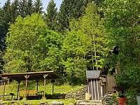 venkovní sezení - pronájem chalupy Olešnice v Orlických horách