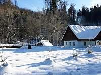 chata s pozemkem v zimě - Souvlastní