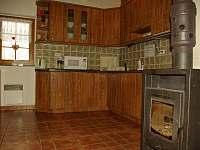 kuchyň - chata k pronájmu Souvlastní