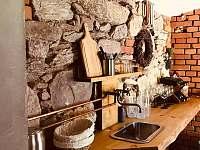 posezení ve sklepě - Bartošovice v Orlických horách