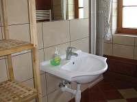 Spodní koupelna - chalupa k pronájmu Čenkovice