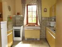 Plně vybavená kuchyň v přízemí