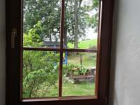 Pokoj 2 pohled okna