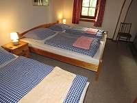 Pokoj 7 - 4 lůžka - manželská postel + 2 samostatná lůžka