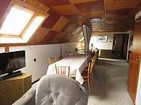 Společné prostory v podkroví s jídelnou