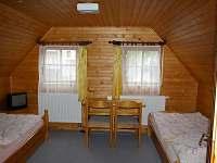 Ložnice I - 3 samostatné postele - chalupa k pronajmutí Opočno