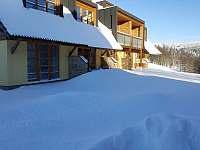 terasa pod sněhem - apartmán k pronájmu Říčky v Orlických horách