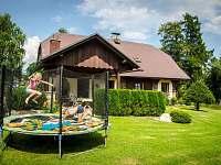 Chalupa s bazénem, vířivkou a saunou - ubytování Rampuše