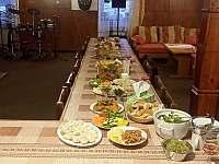 Společenská místnost - rodinná oslava s kapelou - chalupa k pronájmu Červená Voda - Horní Orlice