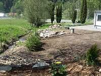 Úprava okolí - chalupa k pronajmutí Červená Voda - Horní Orlice
