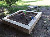 nové pískoviště pro děti - Říčky v Orlických horách