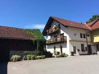 Pohled ze dvora - Kunvald