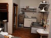 část vybavení kuchyně - Bartošovice v Orlických horách