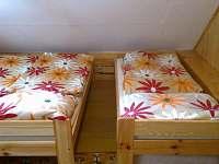 2 pokoj v podkroví - chalupa k pronájmu Heroltice