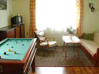 Obývací pokoj - chalupa k pronajmutí Rokytnice v Orlických horách