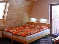obývací pokoj dvě lůžka - chata k pronájmu Čenkovice