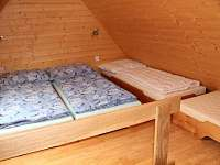 Podkrovní pokoj 2. apartmán - k pronájmu Rokytnice v Orlických horách