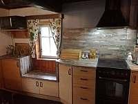 kuchyňka - chalupa k pronájmu Sněžné
