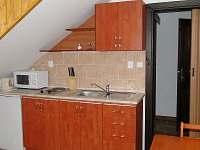 kuchyňka ve 4lůžkovém pokoji