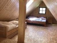 pokoj 2+1+1 v podkroví - pronájem chalupy Olešnice v Orlických horách