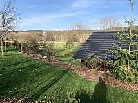 Zahrada - pronájem chalupy Orlické Záhoří