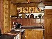 pohled do kuchyně I - chalupa k pronajmutí Dolní Hedeč