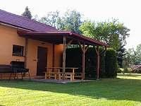 Pergola s posezením - rekreační dům k pronajmutí Dolní Lipka