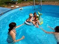 Bazén - chalupa ubytování Kamenice u Dobrého