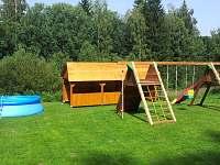 houpačky, bazén - chalupa k pronajmutí Bartošovice v Orlických Horách - Nová Ves