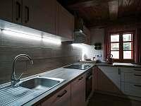 Kuchyně - chalupa k pronajmutí Zdobnice - Kunčina Ves